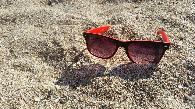 glasses-1549954_640