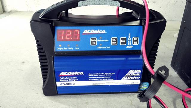 acdelcovoyagerbatterycharger
