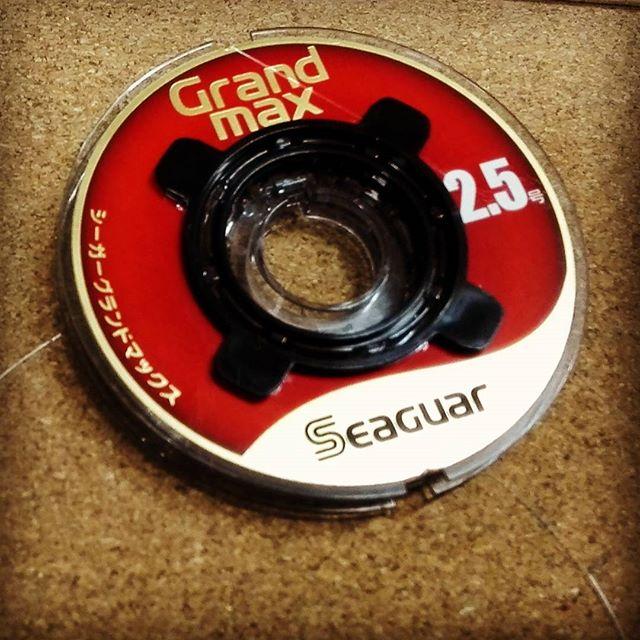 """""""グランドマックス""""って、最高に強いフロロですよね… #seaguar #grandmax #シーガー #クレハ #リーダー用 #耐摩耗性が凄い #結束強度も高いらしい #完全にワンランク強いイメージ"""