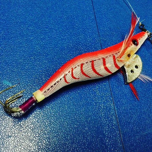 そういえば、今年はまだタコ釣ってなかったなぁ… #タコエギ #タコ釣り #餌木によってそんなにバイト率は変わらない気が… #重さはヘッドのナス型オモリで調整すると楽 #ところでまだ釣れてるのかな???