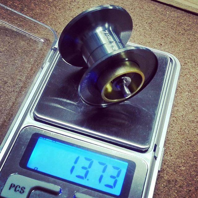 スティーズAのスプール、重さはまずまずですね… #ダイワ #daiwa #steez #スティーズA #ベアリング込みの重量 #キャパは16lbを100m #しかしこんなに大容量の必要ありますかね? #さてキャスタビリティはいかに…
