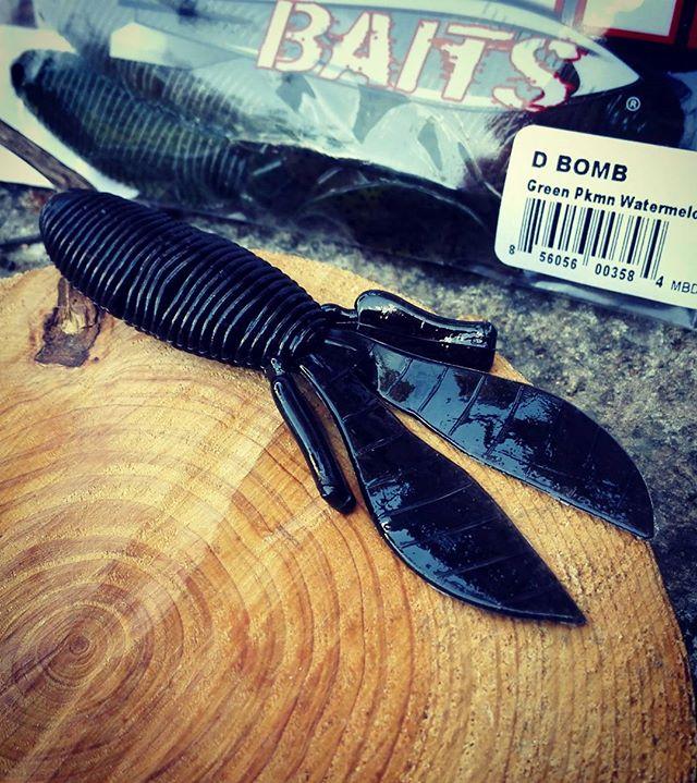 """""""Dボム""""は、スイートビーバーを超えるのか? #dbomb #ミサイルベイツ #missilebaits #フリップベイト #ボディ部分がリングワーム #これが吉と出るか凶と出るか #フッキングは良さそうだけど #対カバー性能がちょっと不安"""