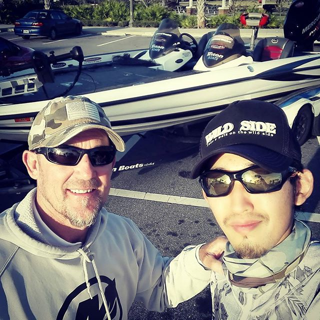 フロリダの名ガイド、アート・ファーガソンさんにガイドして頂きました… #artferguson #guideservice #なんとクラシック4度出場の古豪 #2004年のクラシックで大森プロと戦ったらしい #先日はローランド・マーチンと釣りしてたとかwww #夏はミシガン #冬はフロリダでバス釣り三昧 #理想の渡り鳥生活ですね…
