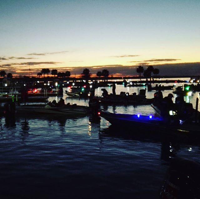 フロリダの夜明けです…