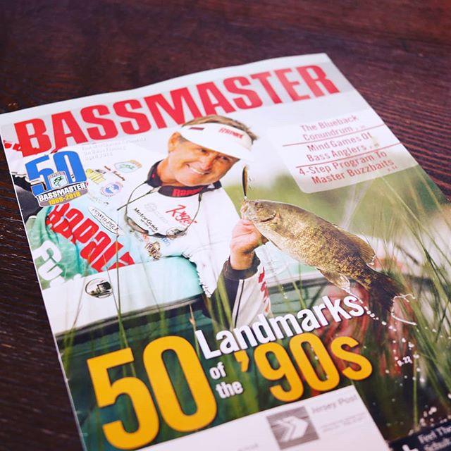 バスマスターマガジン、釣りも英語も勉強出来て便利です… #bassmastermagazine #バスマスターの会員になると送られてくる #電子版ならもっといいのに #ちなみに有料プランならあります