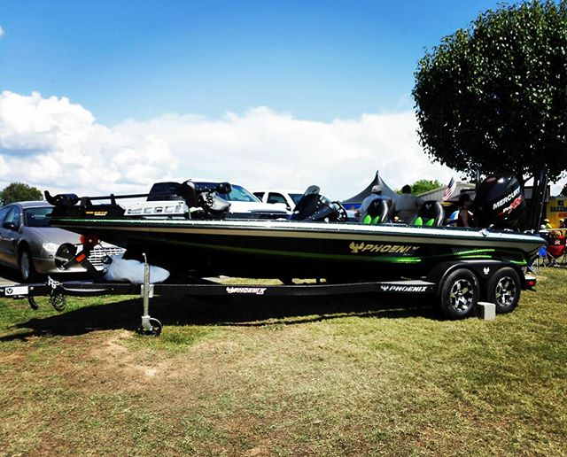 優勝商品(?)のフェニックスボート。めっちゃ欲しいです… #bassopen #bassmaster #phoenixboats #bassboat