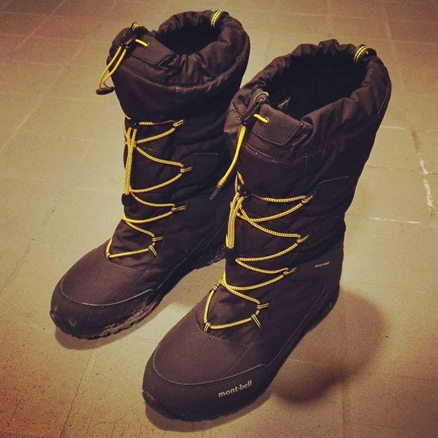 """""""アスペンブーツ""""導入!もう戻れない快適さです…#montbell #モンベル #アスペンブーツ #防寒靴 #スノーシューズ #防水透湿 #ムレにくく暖かい #しかも上の方まで防水 #足の霜焼けから開放されました…"""