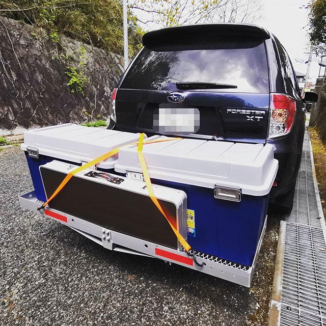 """""""ヒッチキャリアカーゴ""""って、荷物多い時ホント便利です…#toolsisland #ツールズアイランド #TD5002 #アルミ製12kg #耐荷重220kg #バックルストッカーKB780 #汚れ物の収納に #かさばるエレキ等にも良いかもです…"""
