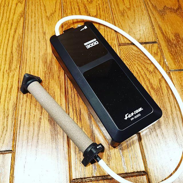 最強(?)のウェイインバッグ用ブク。毎分3lはライブウェルでも使えそうです…#冨士灯器 #パワーポンプ #FP3000 #この手のブクでは最大容量? #泡も細かくて効きそうな感じ #ただし意外と高いです…